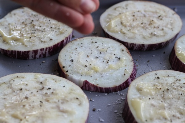 Eggplant rounds with ghee, salt and pepper