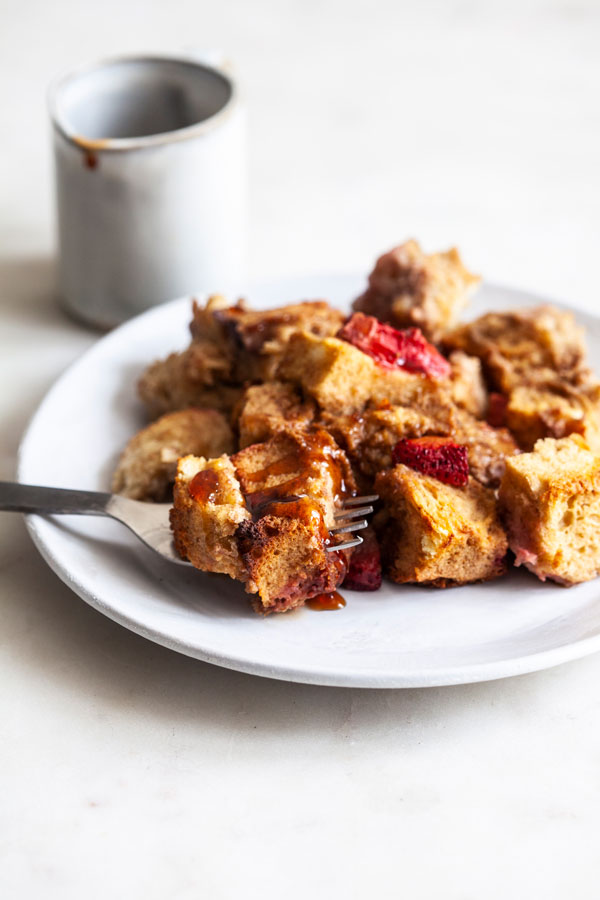 Easy Vegan Strawberry French Toast Casserole | The Full Helping